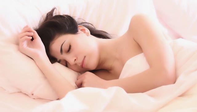 schnell abnehmen ohne Sport im Schlaf